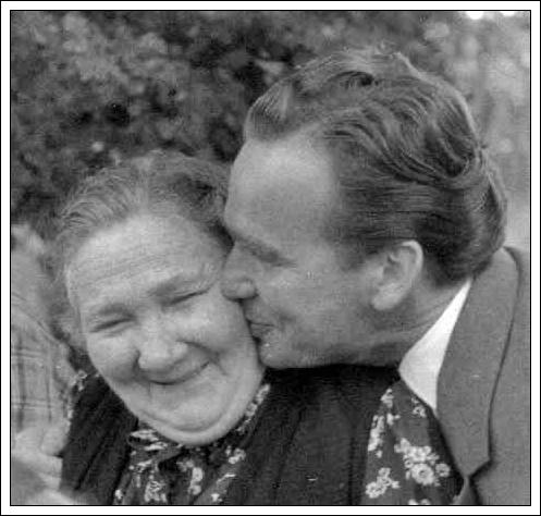 Meine Oma mit ihrem 2. Sohn - Wilhelm Ludwig Gegner - dem jüngeren Bruder meines Vaters